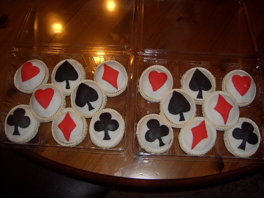 Playing Cards on Cake Central