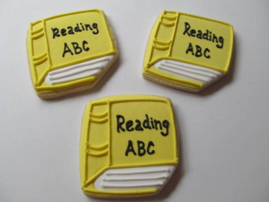 Yellow School Books on Cake Central