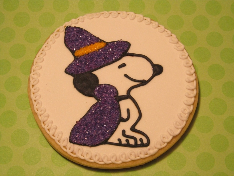 Snoopy Witch on Cake Central