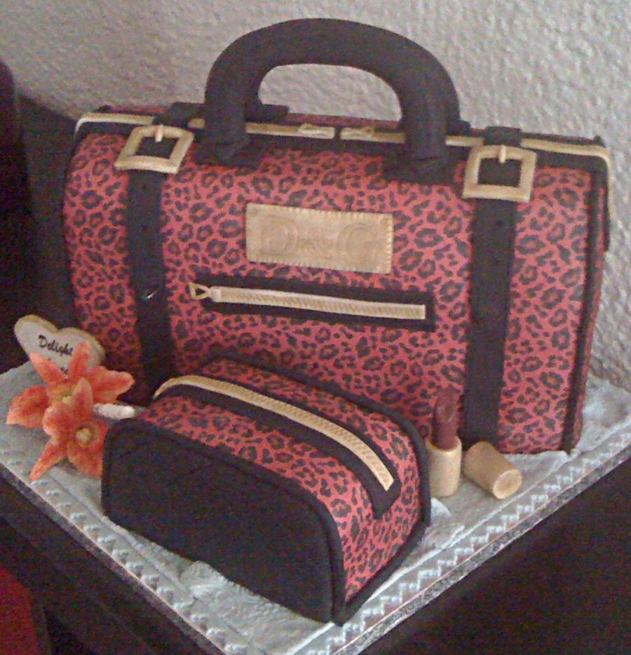 Dampg Handbag And Makeup Bag Sponge Cake on Cake Central