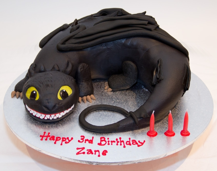 How To Train Your Dragon Cake Decorating