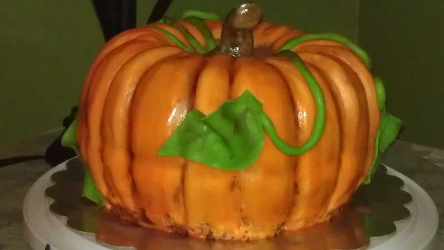 I Made This For A Potluck At Work And Everyone Thought It Was Table Decoration Not A Cake They Loved It It Was Pumpkin And Vanilla Cake Wi... on Cake Central