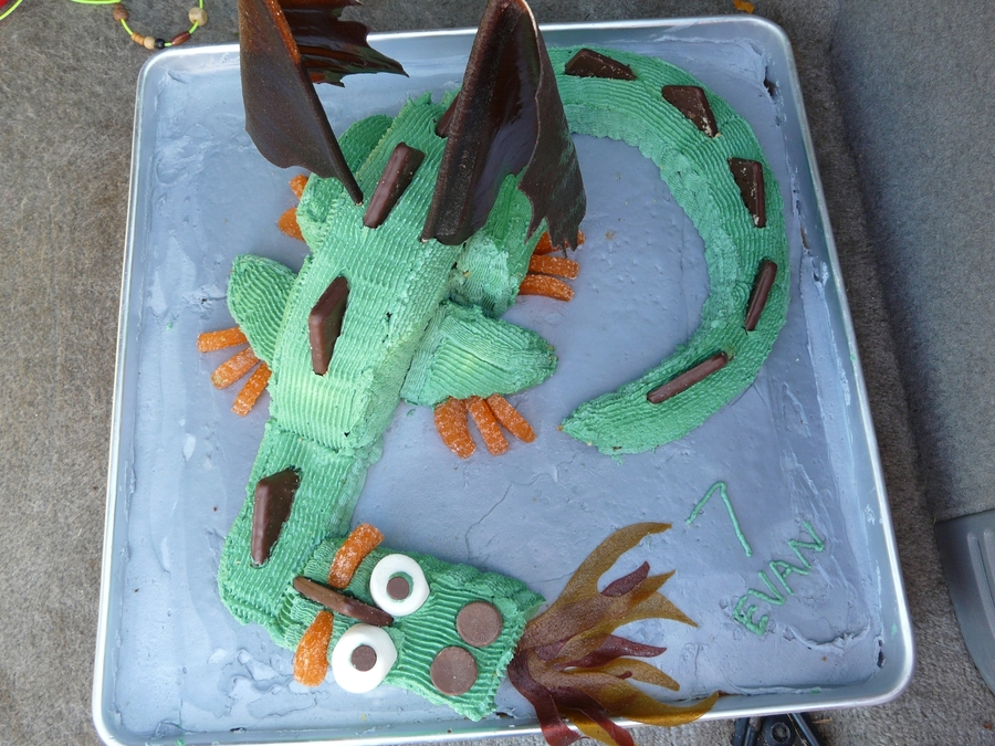 Fire Dragon on Cake Central