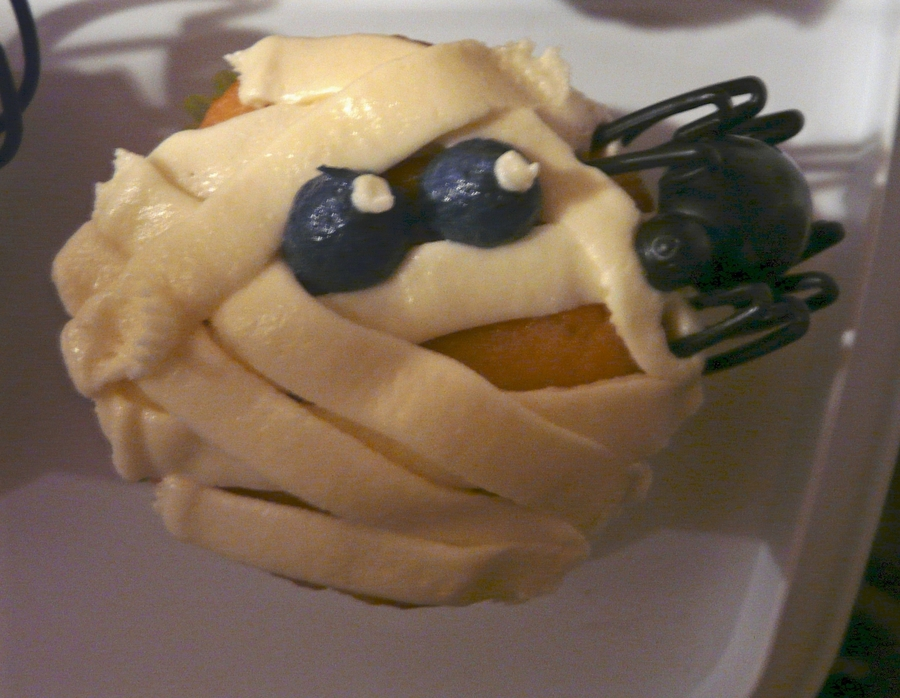 Mummy Cupcakes Spiders on Cake Central