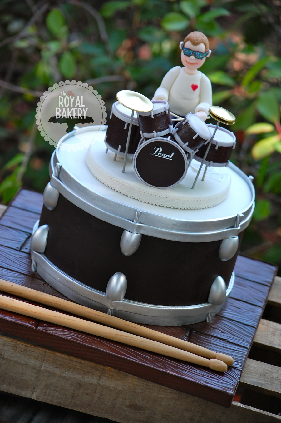 Drum And Drummer Groom S Cake Cakecentral Com