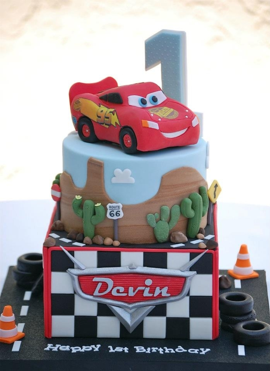 Lightning Mcqueen Cars Cake - CakeCentral.com
