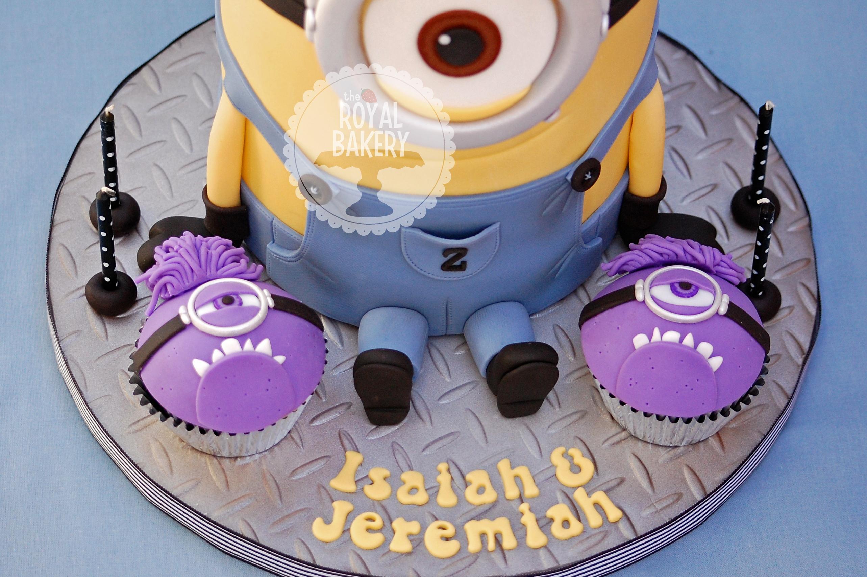 Kevin The Minion Cake CakeCentralcom