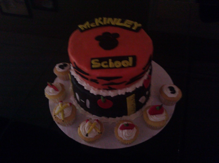 Schoolcake And Cupcakes. on Cake Central
