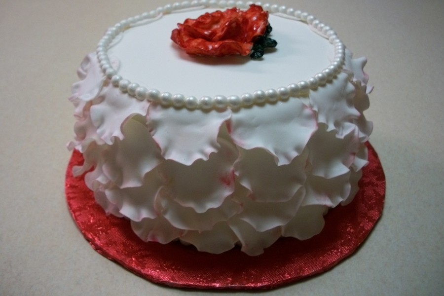 Petals, Pearls, And Roses on Cake Central