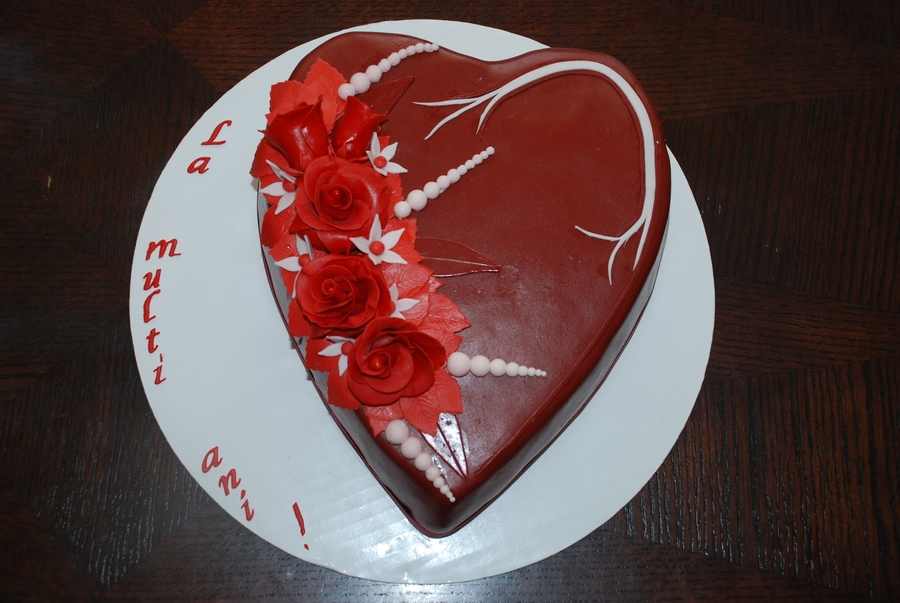 Red Roses Cake on Cake Central