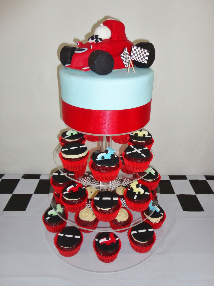 Roary The Racing Car  on Cake Central