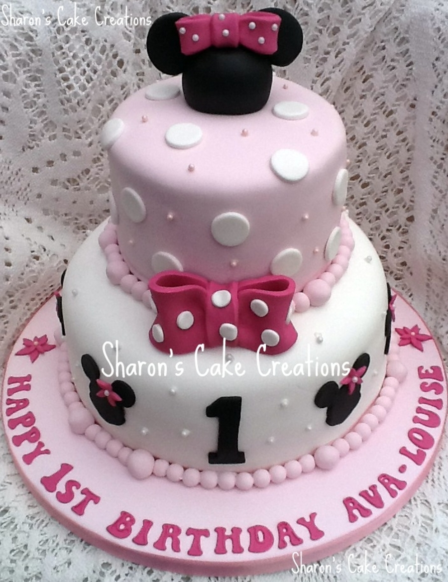 Making A Minnie Mouse Birthday Cake