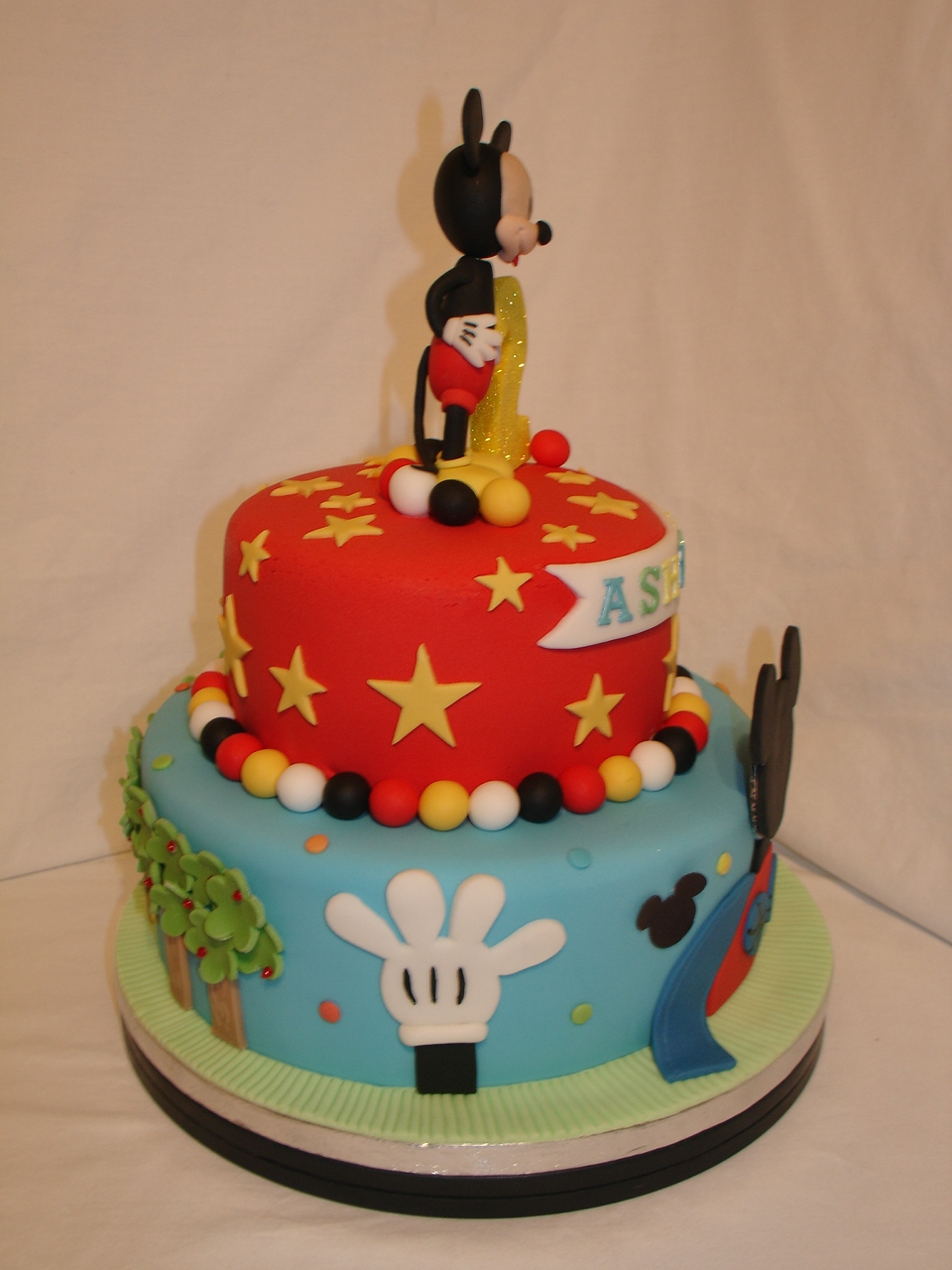 Mickey Mouse Clubhouse Fondant Cake - CakeCentral.com