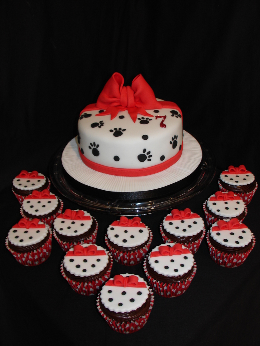 Dalmatian Spotty Cake With Matching Cupcakes