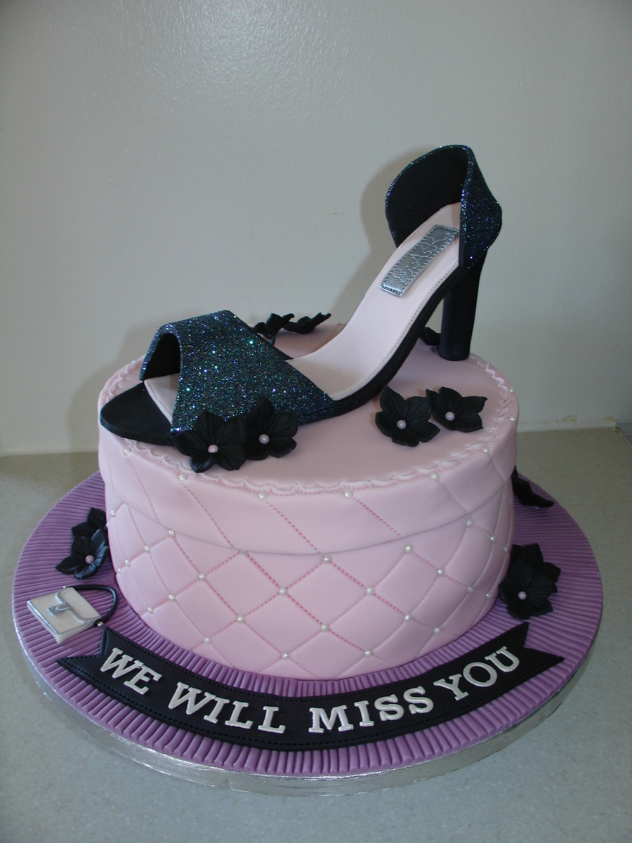 how to make a shoe cake with fondant