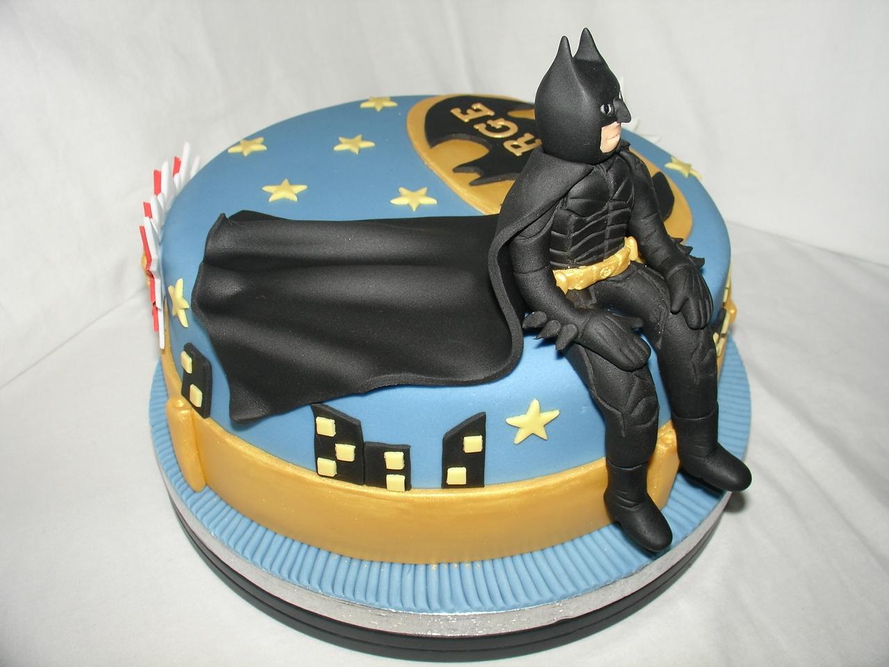 Batman The Dark Knight Fondant Cake CakeCentralcom - Dark knight birthday cake