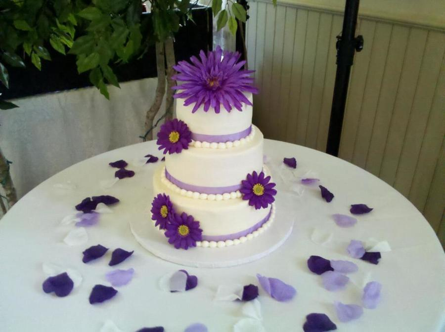 The Most Recent Wedding Cake I Made Pretty Simple Silk Flowers Buttercream Icing Thanks For Looking  on Cake Central