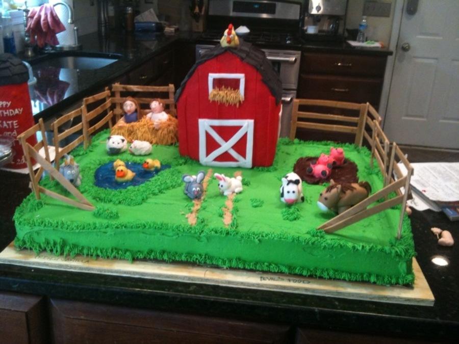 Barnyard bash birthday for Animal cake decoration ideas