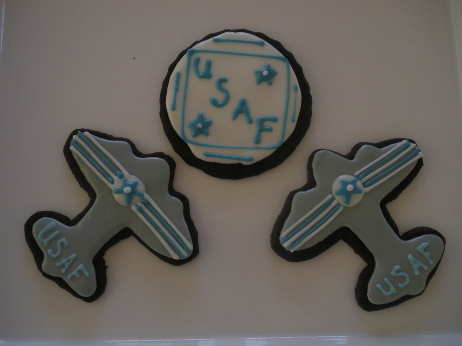 Air Force Planes & Logo on Cake Central