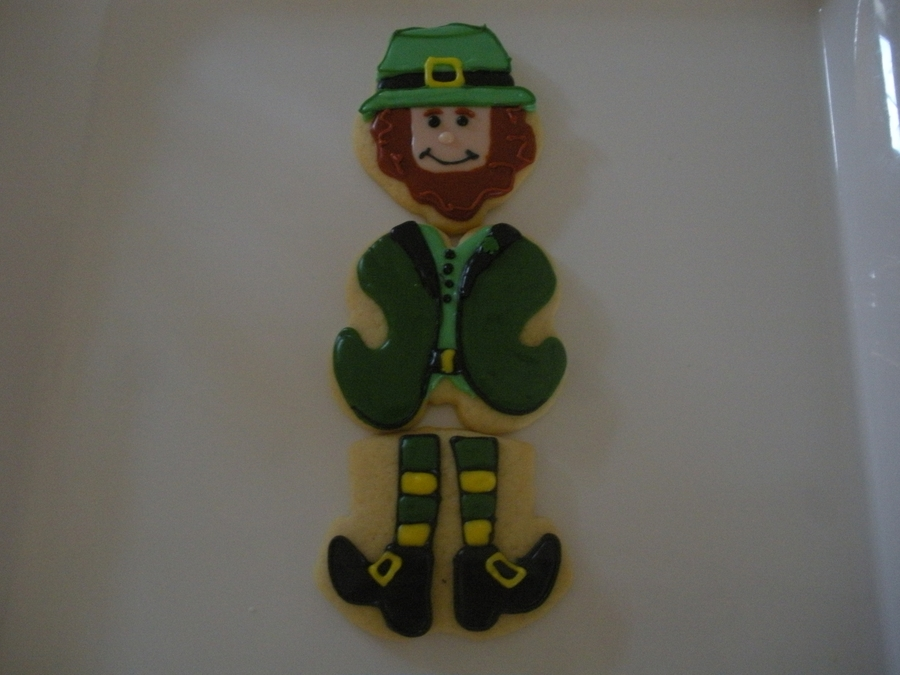 Segmented Leprechaun on Cake Central