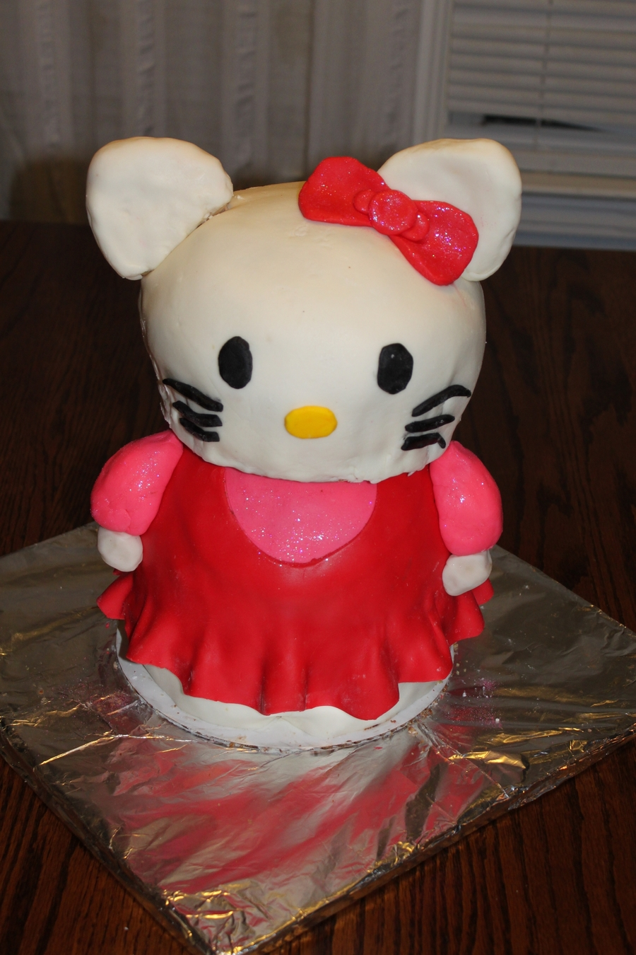 Hello Kitty 3D Birthday Cake on Cake Central