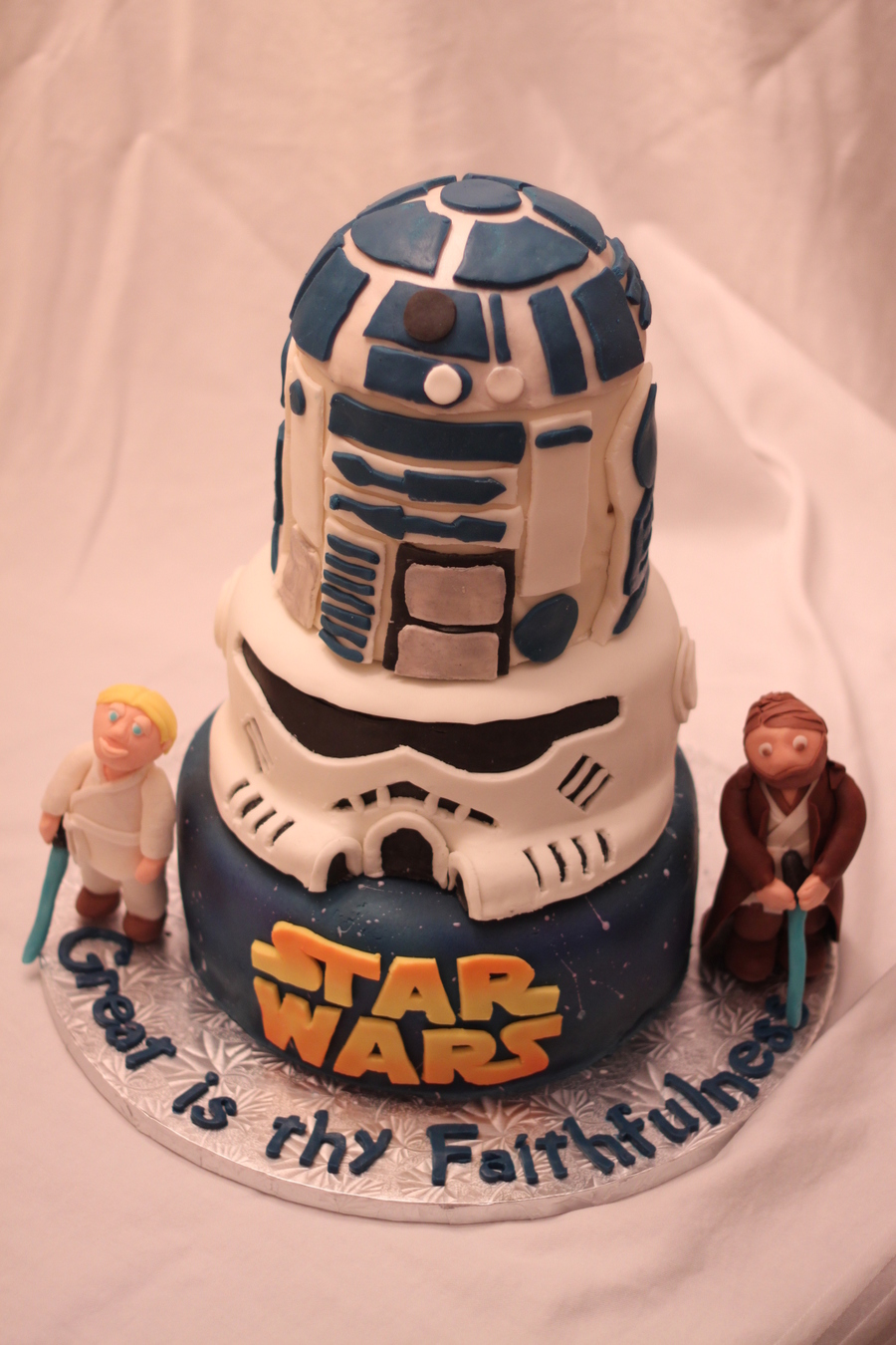 How To Ice A Star Wars Cake