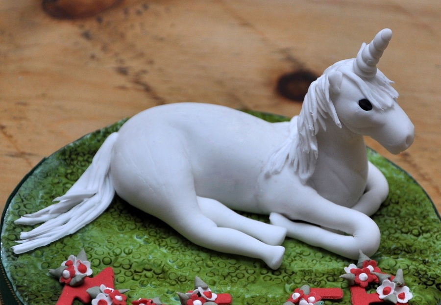 unicorn horse wedding cake topper unicorn cake topper cakecentral 21417