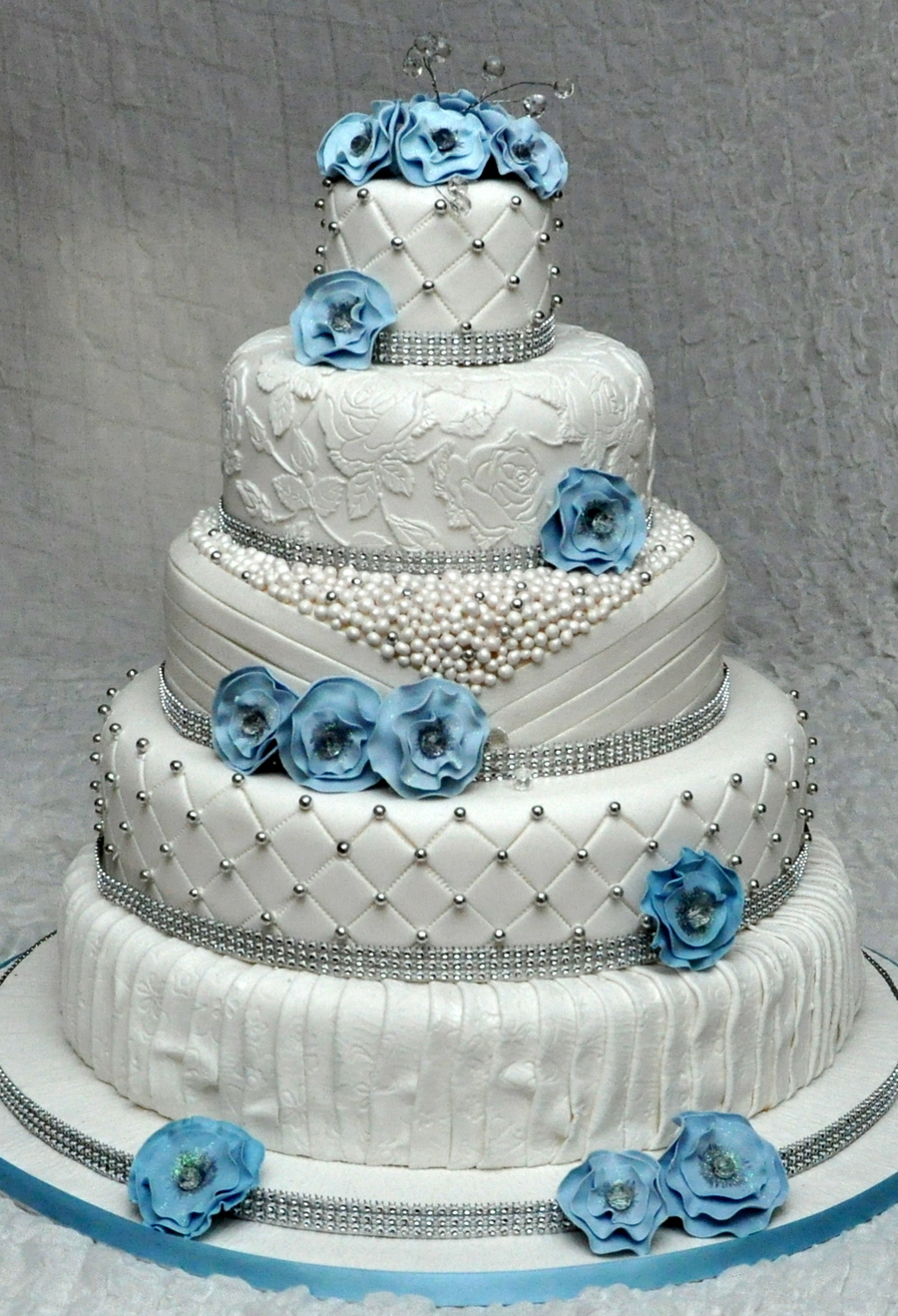 Photo Cake Images Edible : 5 Tier Wedding Cake With Edible Pearls And Lace Decorated ...