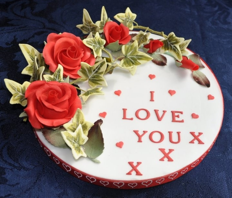 I Love You Roses And Ivy on Cake Central