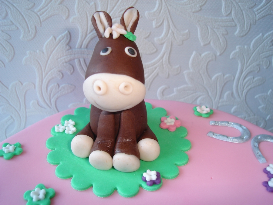 Cute Horse on Cake Central
