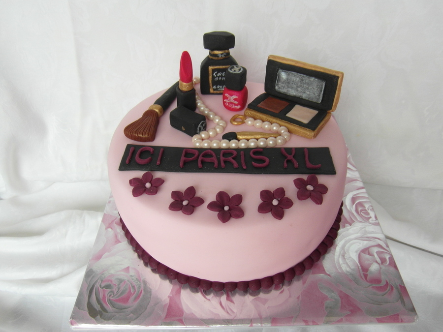 Cake Whit Chanel Make Up on Cake Central