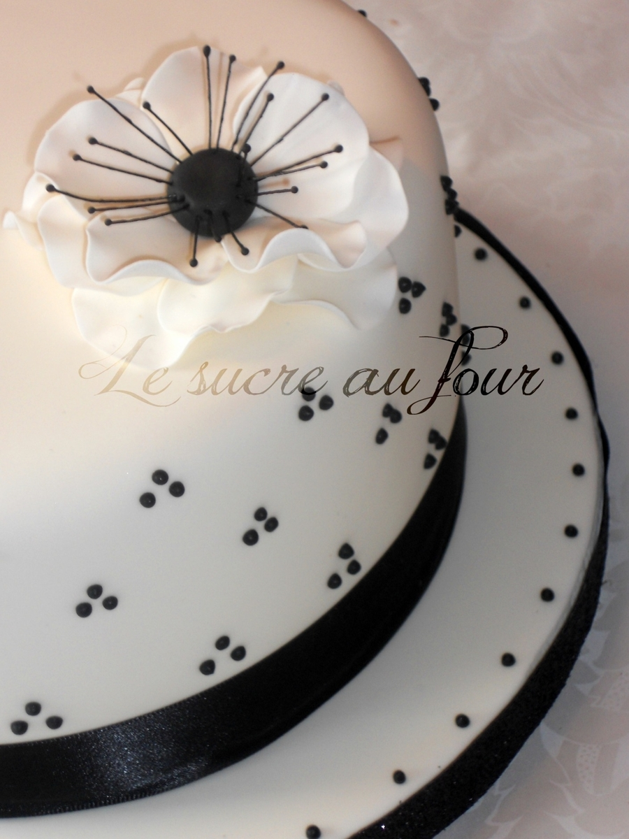 Classic Blanc And White Cake on Cake Central
