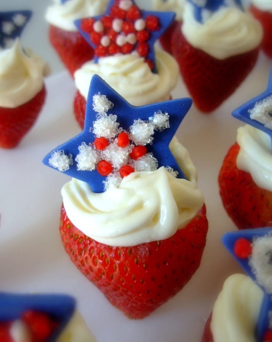 Berry Patriotic on Cake Central