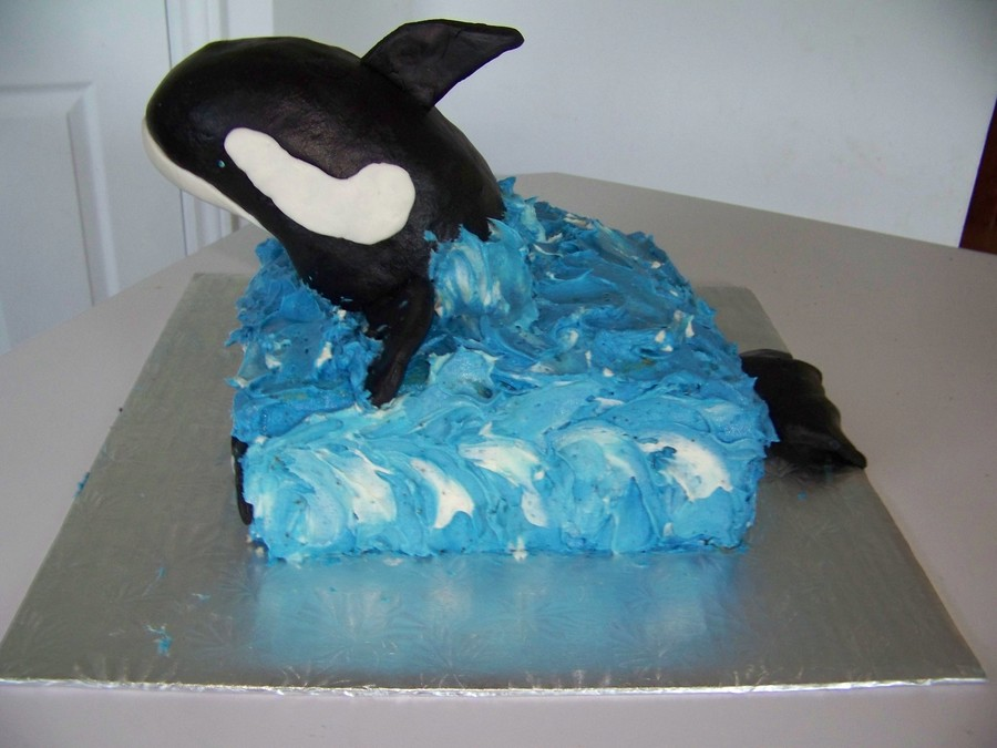 Cake Decorating Making Waves : Orca Whale - CakeCentral.com