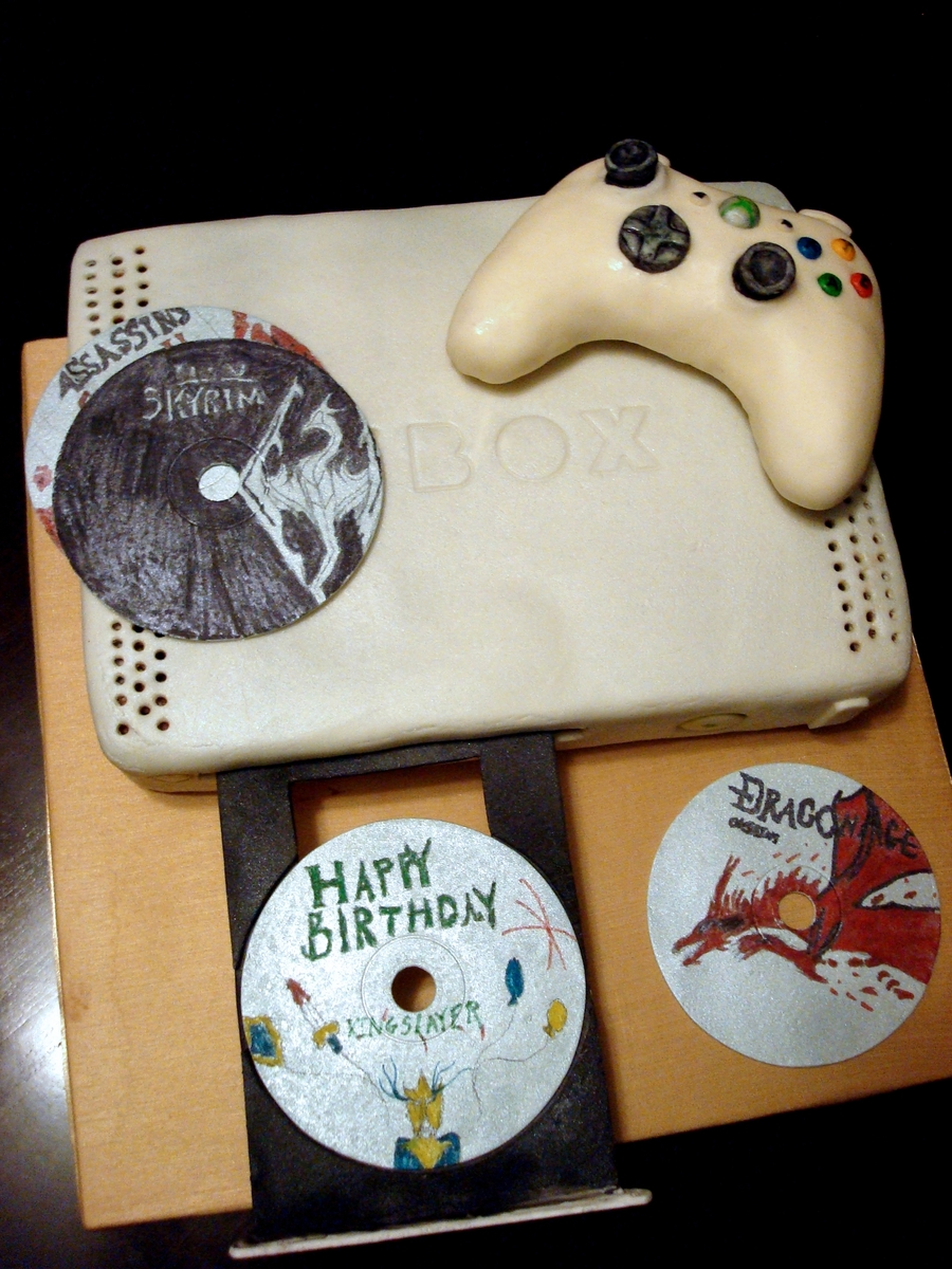Pleasing Xbox Gamer Birthday Cake Cakecentral Com Funny Birthday Cards Online Alyptdamsfinfo