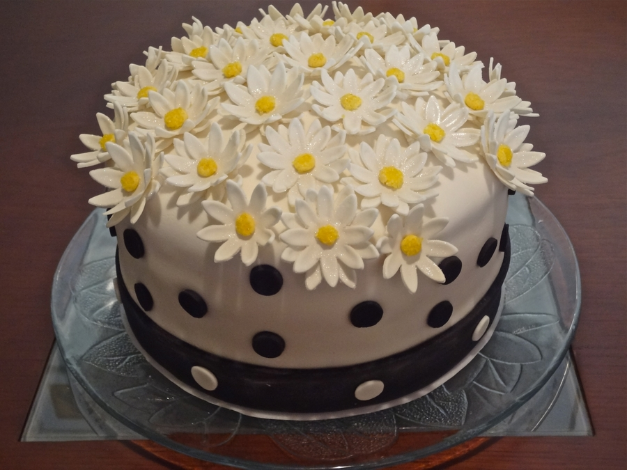 Margarida (Daisy) on Cake Central