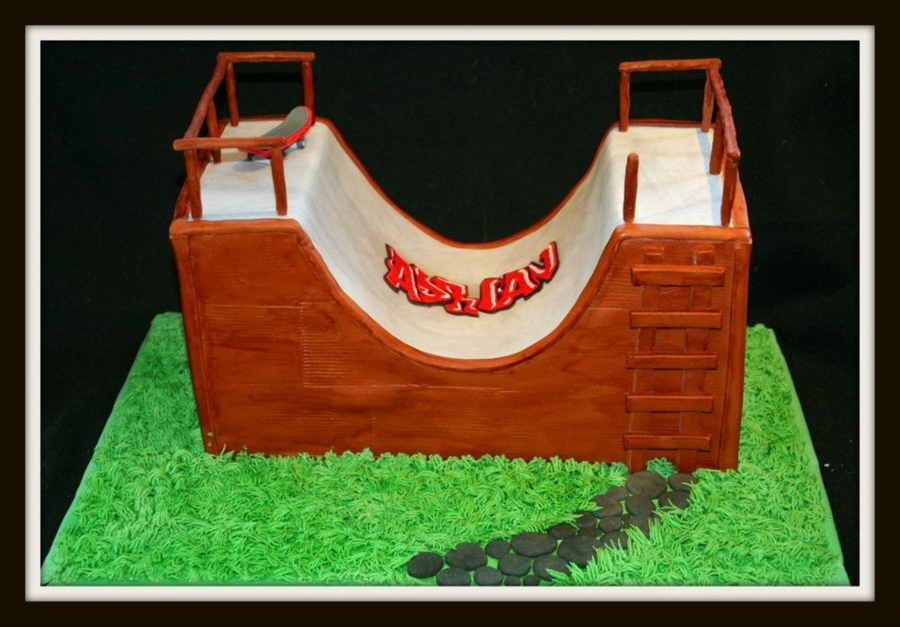 Skateboard Ramp on Cake Central