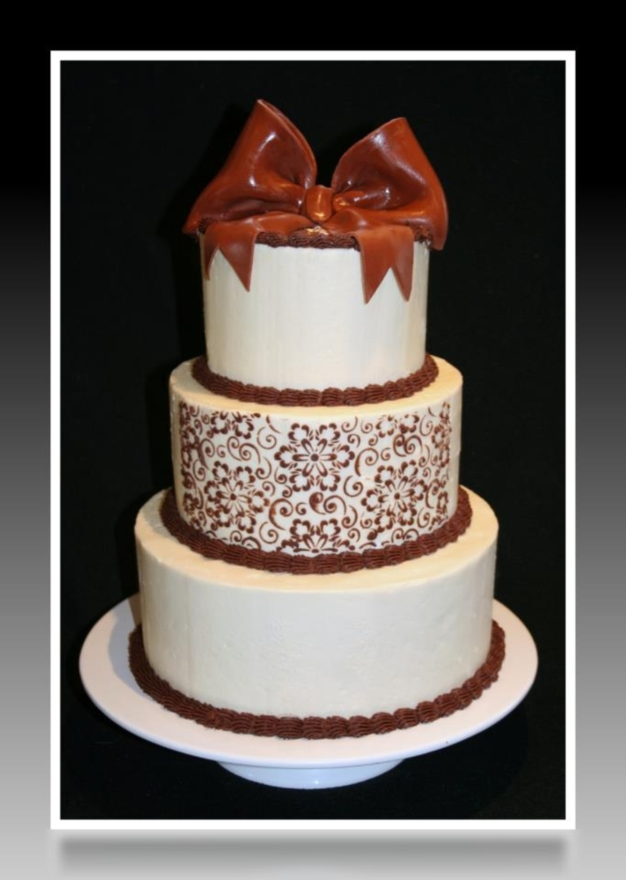 Ivory / Chocolate on Cake Central