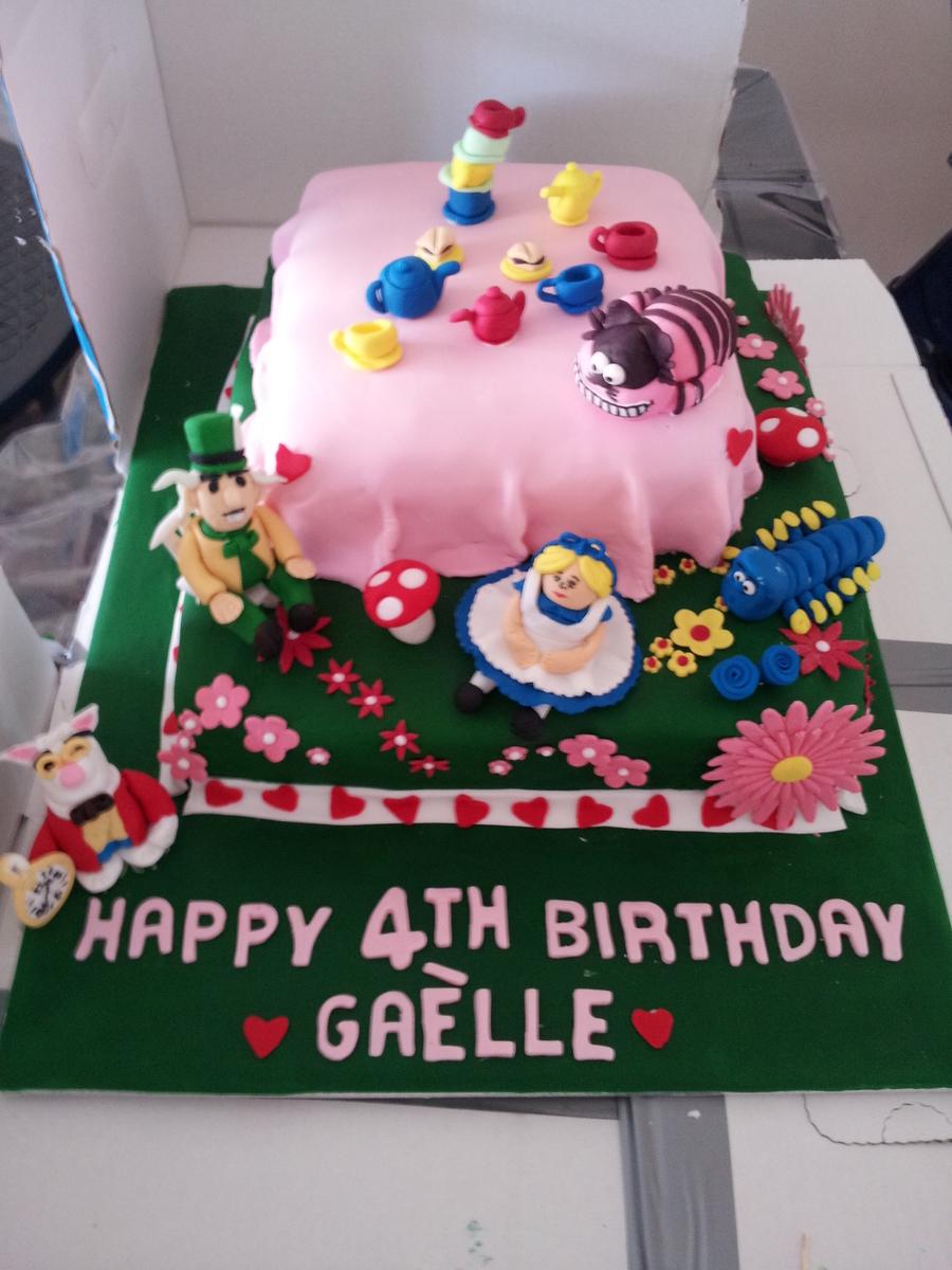 Alice In Wonderland Birthday Cake Cakecentral