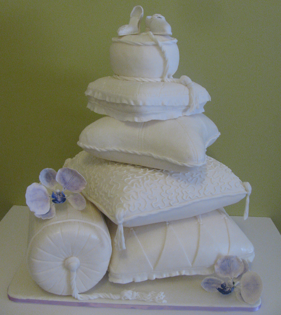 pillow wedding cake pictures pillow wedding cake cakecentral 18518