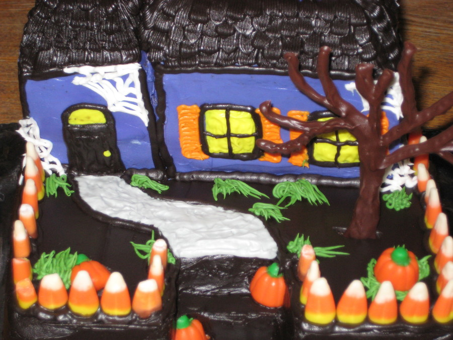 Brilliant Halloween Haunted House Cakecentral Com Personalised Birthday Cards Epsylily Jamesorg