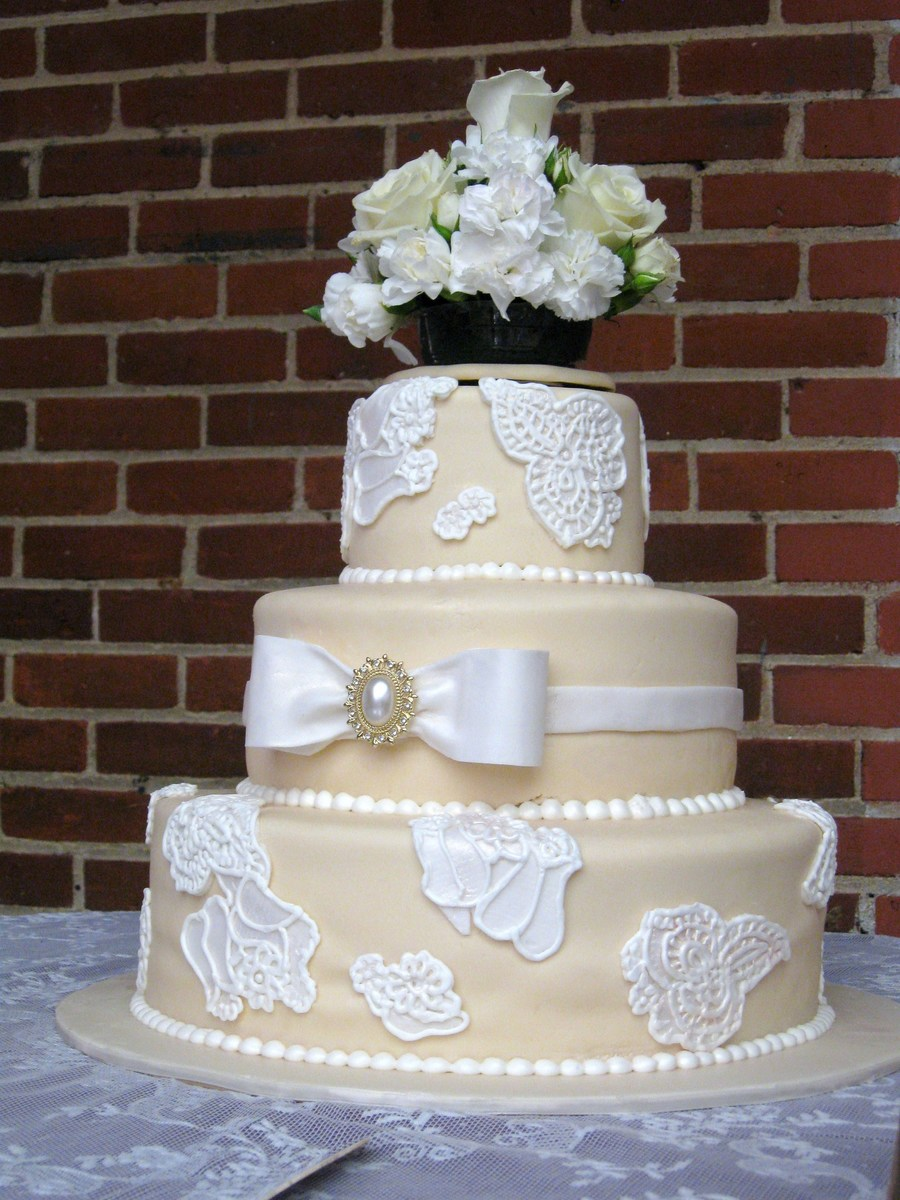 Ivory And Lace on Cake Central