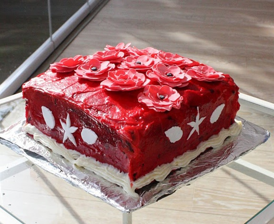 Red Flower Fun on Cake Central