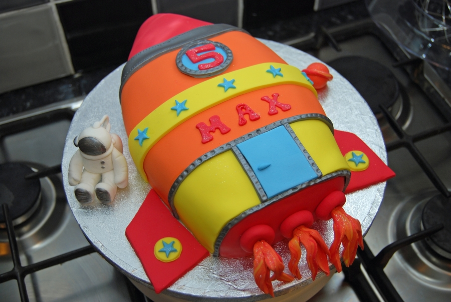 Stupendous Rocket Birthday Cake Cakecentral Com Funny Birthday Cards Online Hendilapandamsfinfo