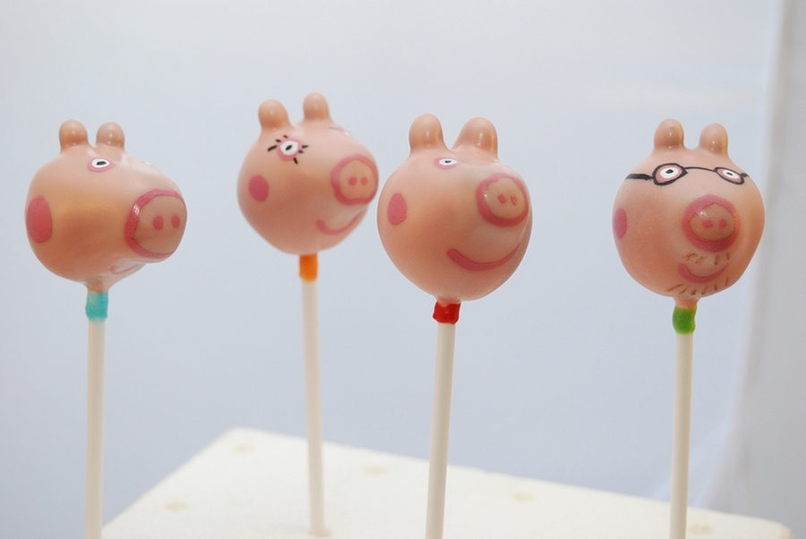 Peppa Pig Cake Pops  on Cake Central