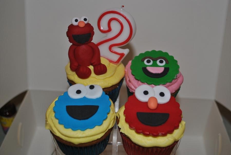 Sesame Street Cupcakes, Elmo Topper, Cookie Monster, Oscar ...