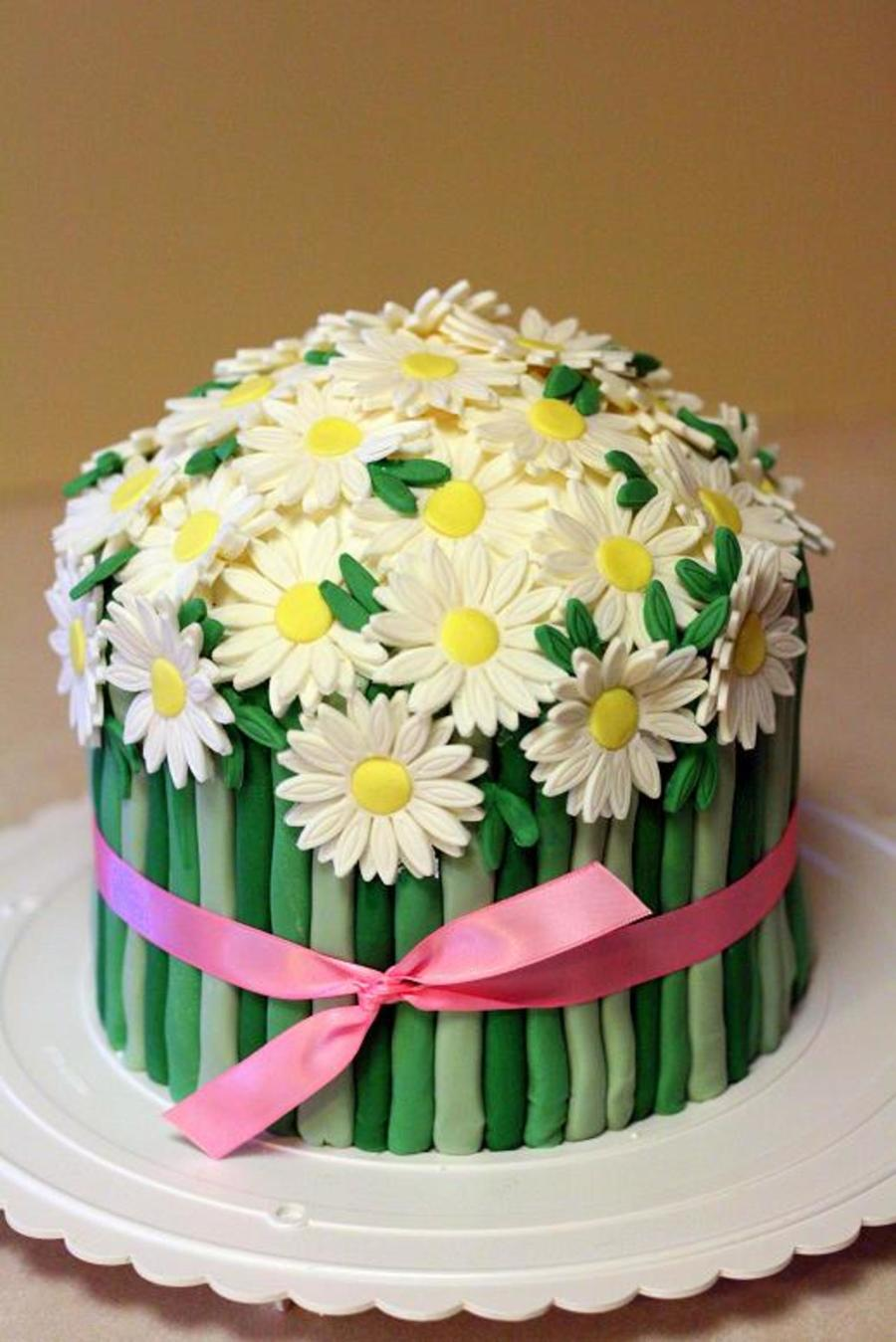 Daisy Bouquet on Cake Central