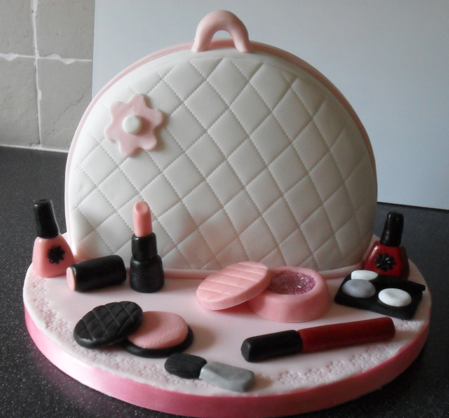 Girly Cake Images : Girly Cake :0) - CakeCentral.com