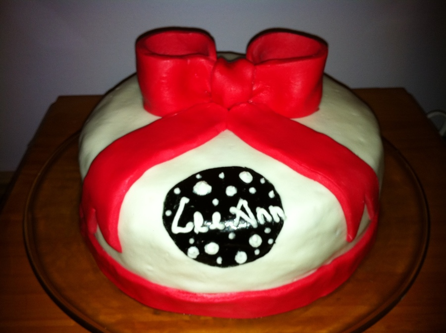 Red Bow on Cake Central