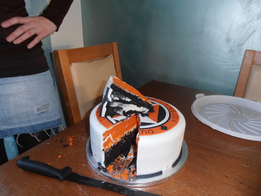 Dundee united football club cake cakecentral football soccer birthday cakes publicscrutiny Images